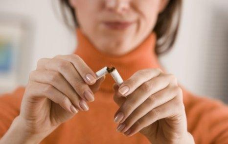 Majdnem ötödével növeli az idősebb nők mellrákkockázatát a dohányzás