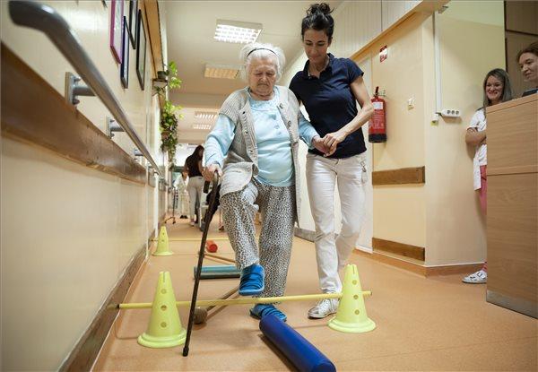 Átadták a Szent Margit Kórház felújított mozgásszervi rehabilitációs osztályát