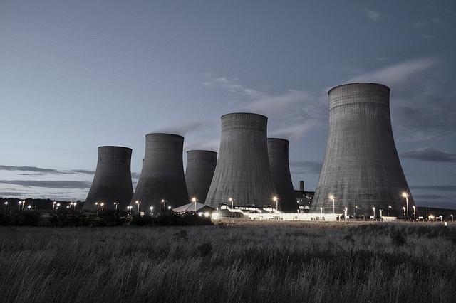 Obama elnök az amerikai erőművek károsanyag-kibocsátásának radikális csökkentését készül előírni