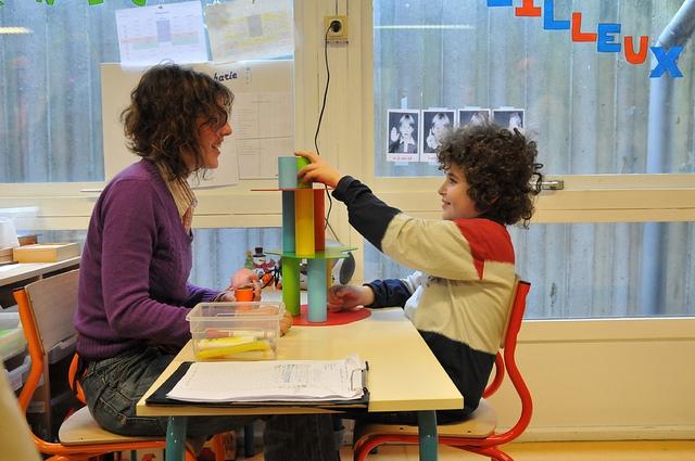 Az autista gyerekek nem érzik a szagok és az illatok különbségét állítják izraeli tudósok