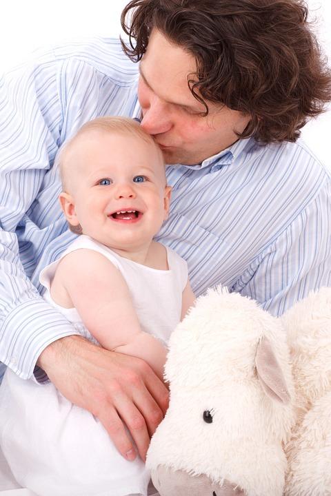 A szeretethormon segít, hogy az apák és a babák között szoros kapcsolat alakuljon ki