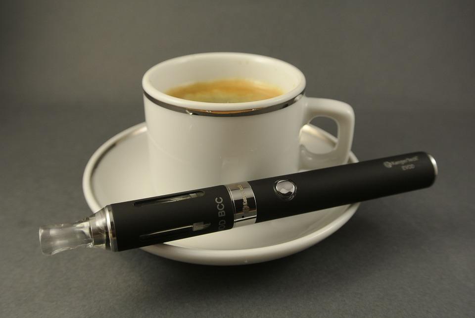 Az elektromos cigaretta gyengíti a köhögőreflexet