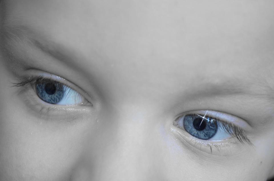 Rutin szemvizsgálat során is azonosítanak egy sor problémát az optikusok