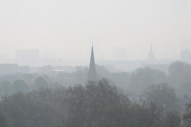November 2-án már három magyarországi városban volt egészségtelen a levegő