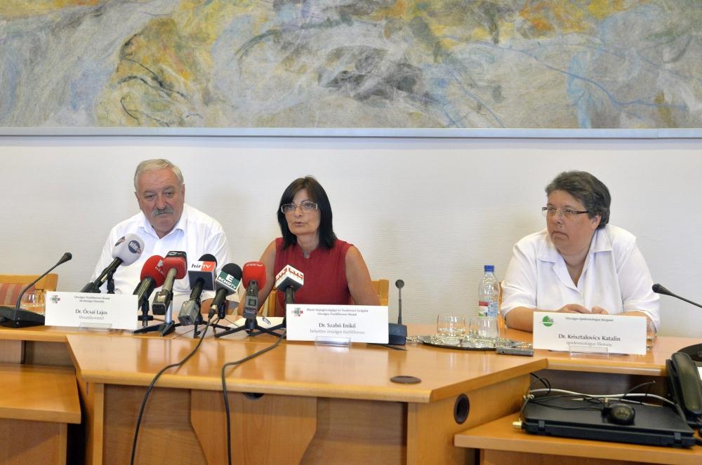 Sajtótájékoztatót tartott az eboláról az ÁNTSZ