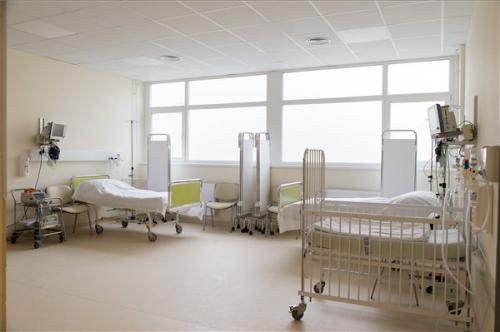 Átadták a győri Petz Aladár Megyei Oktató Kórház gyermeksürgősségi részlegét