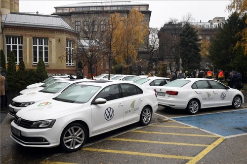 Koronavírus - Újabb gépjárműveket ajánlottak fel a járvány elleni védekezéshez
